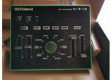 Vends ROLAND VT-3  comme neuf avec son destacker