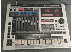 Roland MC-808