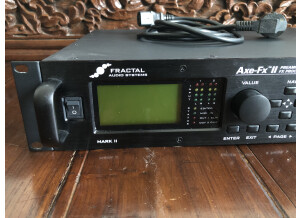 Fractal Audio Systems Axe-Fx II (79648)