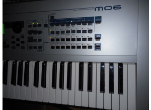 Yamaha MO6