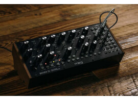 Vends Moog Mother 32