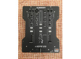 Vends table de mixage Allen & Heath Xone 23 comme neuve, avec manuel et carton d'origine