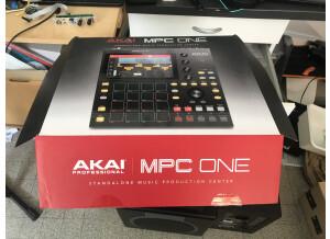 Akai Professional MPC One (1046)