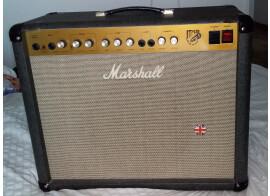 Vends Marshall jtm30 équipé d'un HP Celstion Creamback Rola