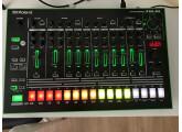 Roland TR8 quasi neuve
