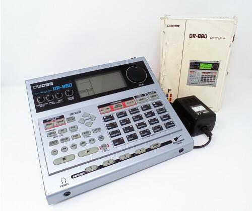 DR880_01