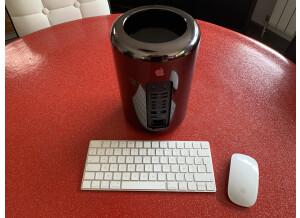 Apple Mac Pro 2013 (2034)