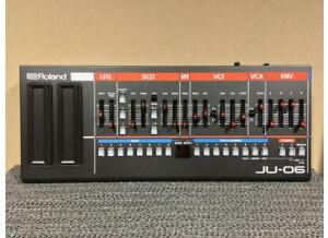 Roland JU-06 (34390)