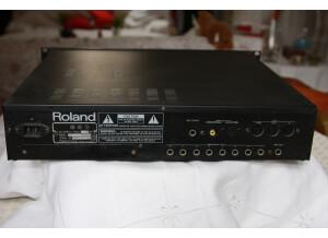 Roland S550 - Dos.JPG