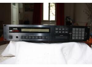 Roland S-550 (99961)