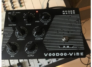 Roger Mayer Voodoo Vibe