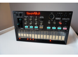 Korg Volca FM + Interface MIDI Midisport 1x1