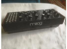 Vends ou échange Moog Mother 32 + câbles patchs supplémentaires