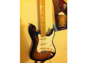 Squier [Classic Vibe Series] Stratocaster '50s Left Handed - 2-Color Sunburst Maple
