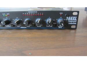 dbx 166XL