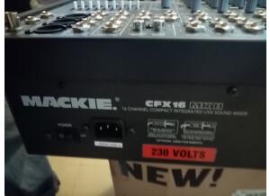 Mackie CFX16