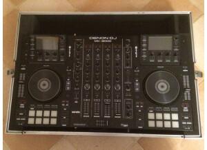 Denon DJ MCX8000 (12414)