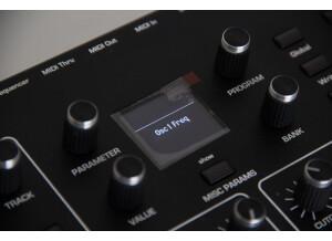 Dave Smith Instruments Prophet REV2 16 voix (10596)