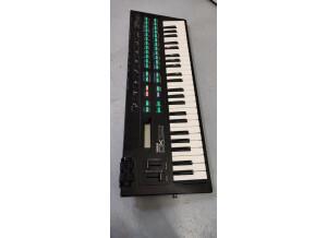 Yamaha DX100