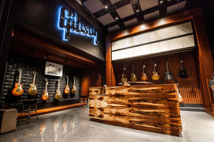 Gibson Garage Interior-1-4