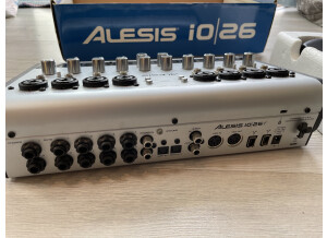Alesis iO 26 (77990)