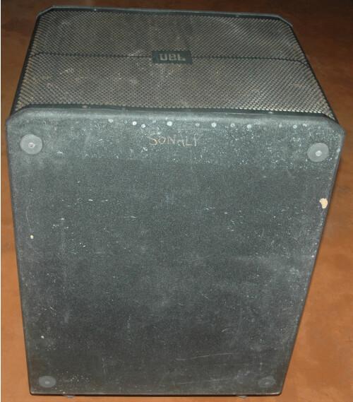 .JBL SRX718 3.JPG