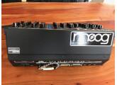 Vends Minimoog Voyager Rack Mount Edition +  rack kit
