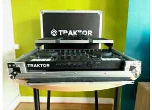 Native Instruments Traktor Kontrol S4 mk3 (95103)