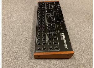 Dave Smith Instruments Prophet Rev2 Module 16 voix (96925)