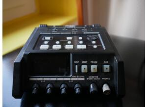 Edirol R-44
