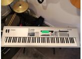 Workstation MO8 88 notes toucher lourd parfait état