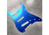 Vends pickguard miroir bleu pour Fender et Squier Stratocaster