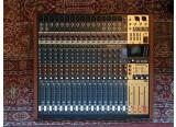 Vends table de mixage Tascam Model 24