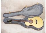 Vends Guitare électro-acoustique YAMAHA APX-6A pan coupé en parfait état comme neuve