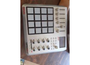 Akai Professional MPD24 (97003)