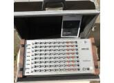DRM1 Mk III MIDI - avec un case et les flancs en bois