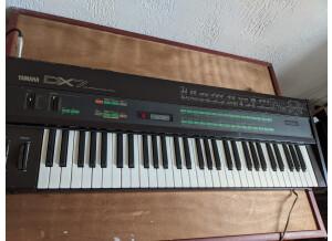 Yamaha DX7 (24095)