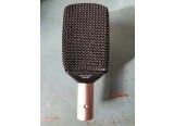Microphone vintage culte Akg d12e