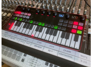 UNO Synth Pro_2tof Desk01.JPEG