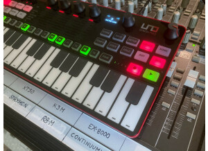 UNO Synth Pro_2tof Desk07.JPEG