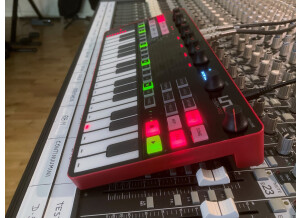 UNO Synth Pro_2tof Desk08.JPEG