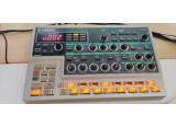 Yamaha DX200 groovebox FM DX7 synth