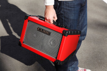 Instruments et matériels audio : cube_street_r_hand_gal