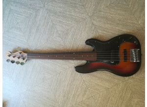 Squier Standard P Bass Special V