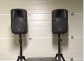 2 enceintes amplifiées DAS audio DS-108A 200w rms + pieds + housses