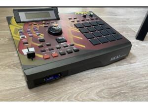Akai Professional MPC2000XL (84900)
