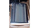 Vends table de mixage Behringer Eurodesk MX2442