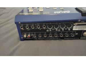 Akai Professional MPC2000XL MCD version (90879)