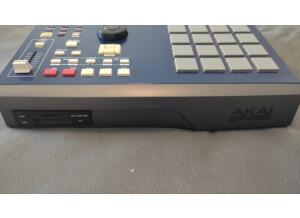 Akai Professional MPC2000XL MCD version (17273)