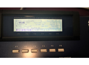 Akai Professional MPC2000XL MCD version (99223)